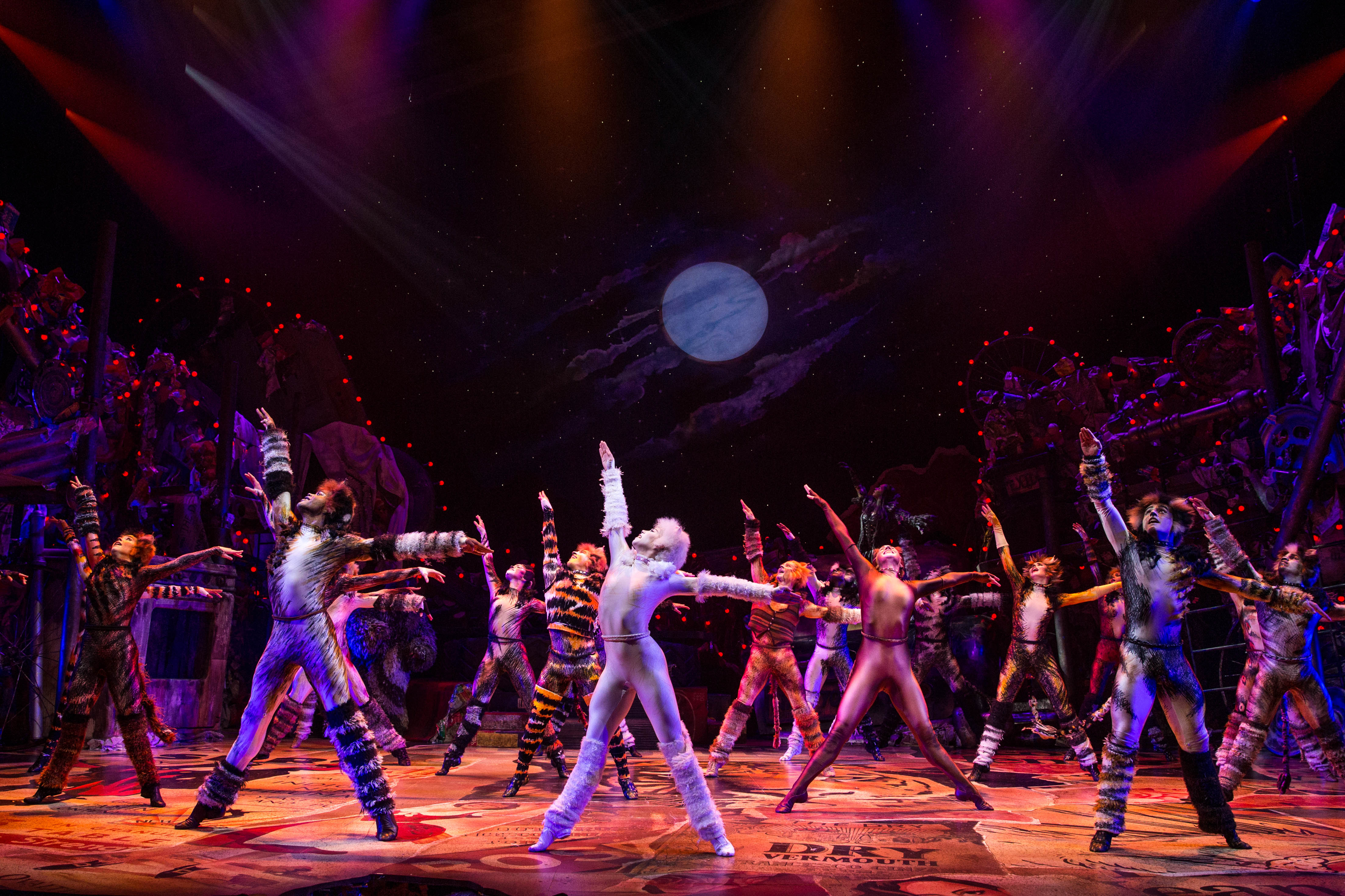 See How The Critics Greeted The Broadway Cats Revival