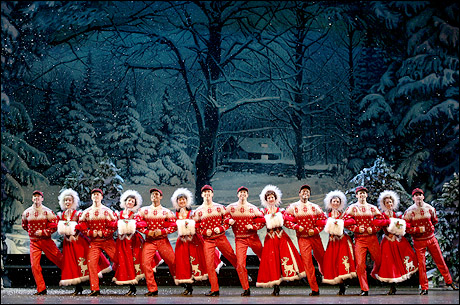 Irving Berlin's White Christmas Production Photos | Playbill = 0 of 10