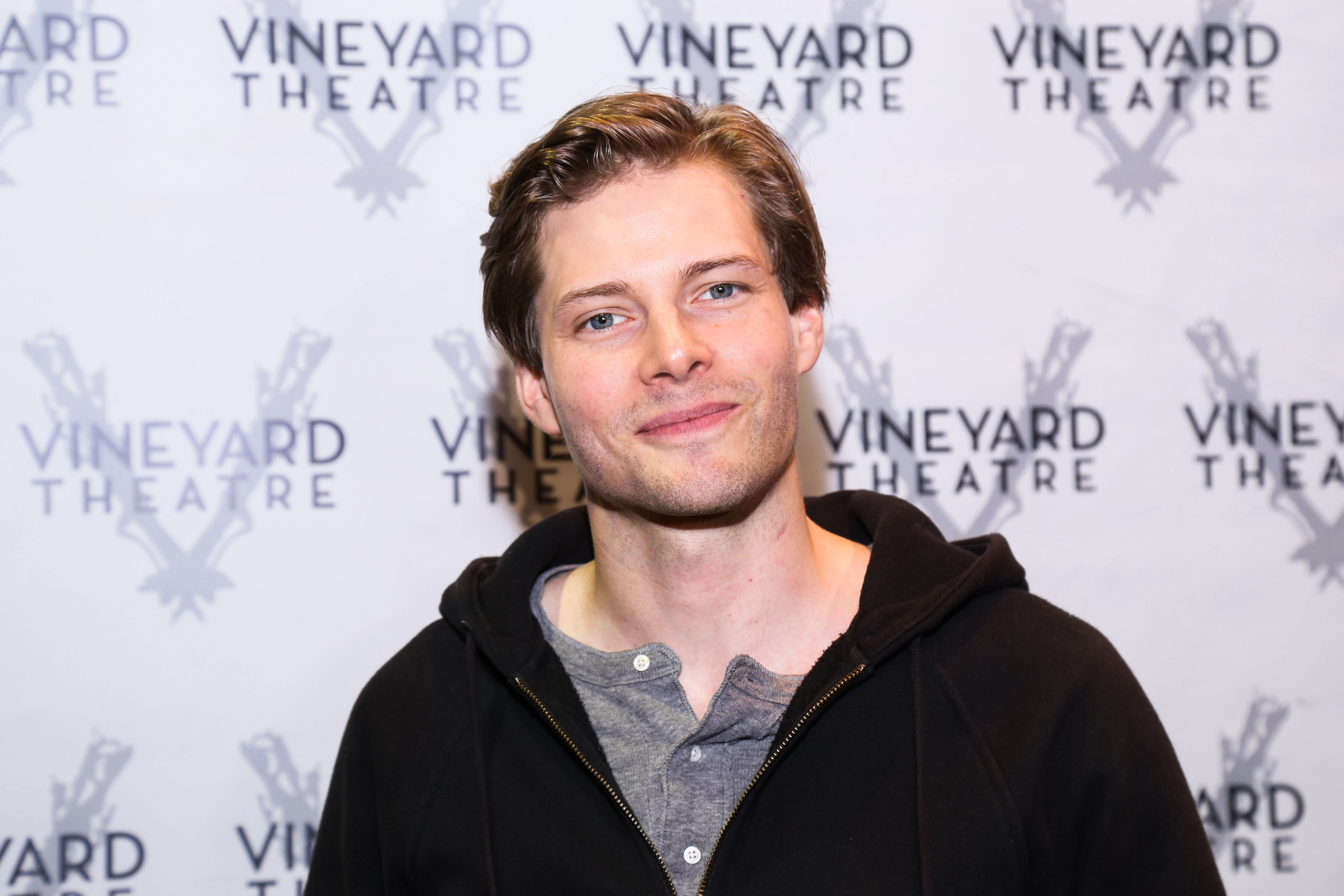 Hunter Parrish to Co-Star in CW's Jane the Novela | Playbill